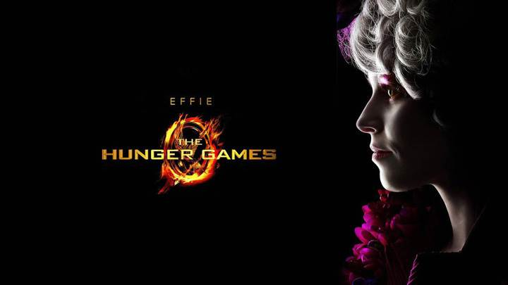 The Hunger Games – Elizabeth Banks As Effie Trinket Side Face Closeup